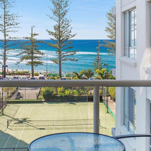 4F-52-Goodwin-Terrace-Burleigh-Heads